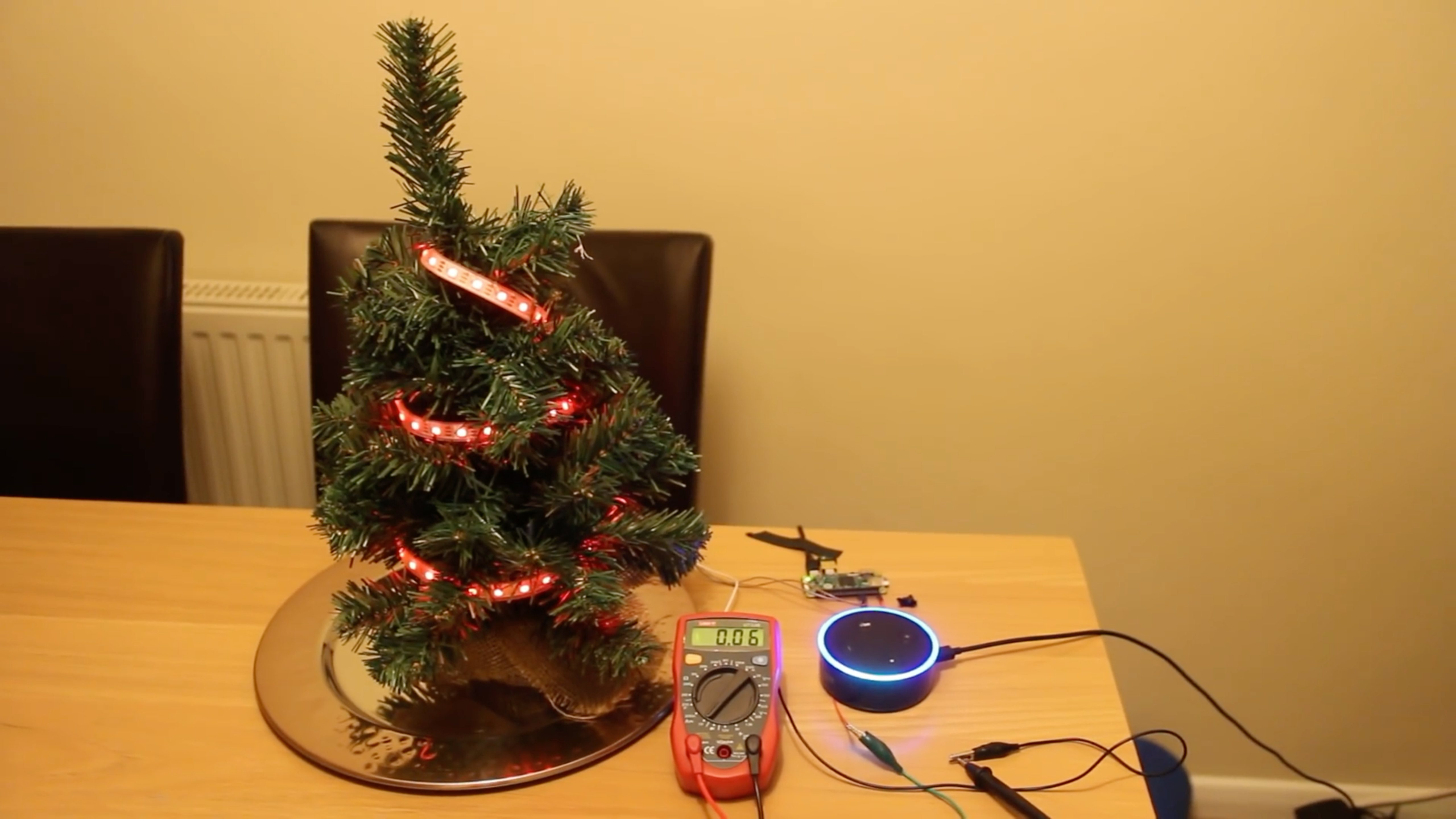 Echo Dot Voice-controlled Christmas Tree