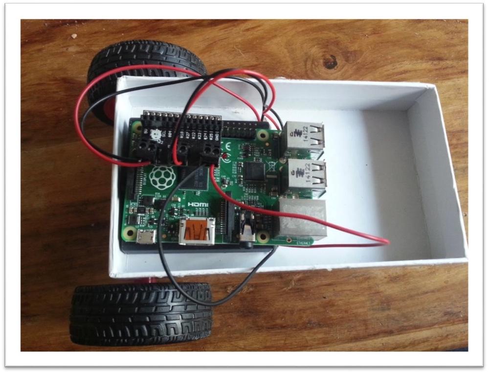 Robotics for beginners: build a wheeled CamJam EduKit robot