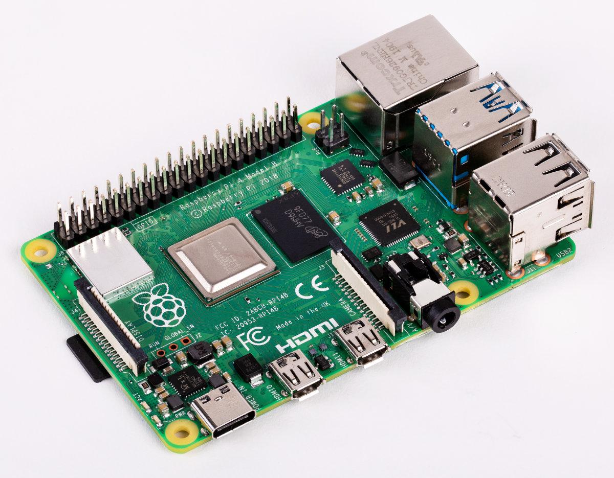Raspberry Pi 4, 3A+, Zero W - specs, benchmarks & thermal tests
