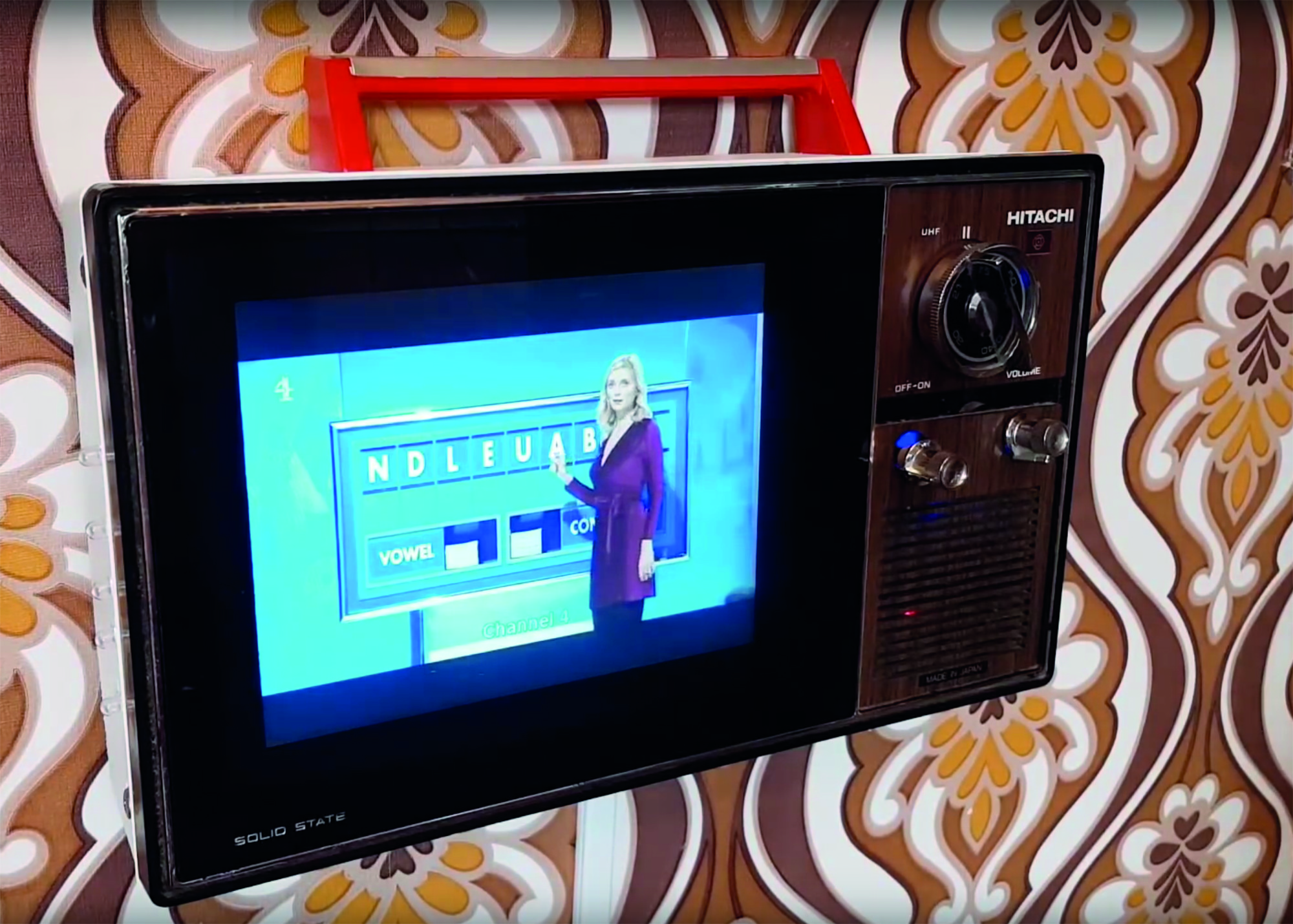 Vintage television with Raspberry Pi TV HAT - The MagPi