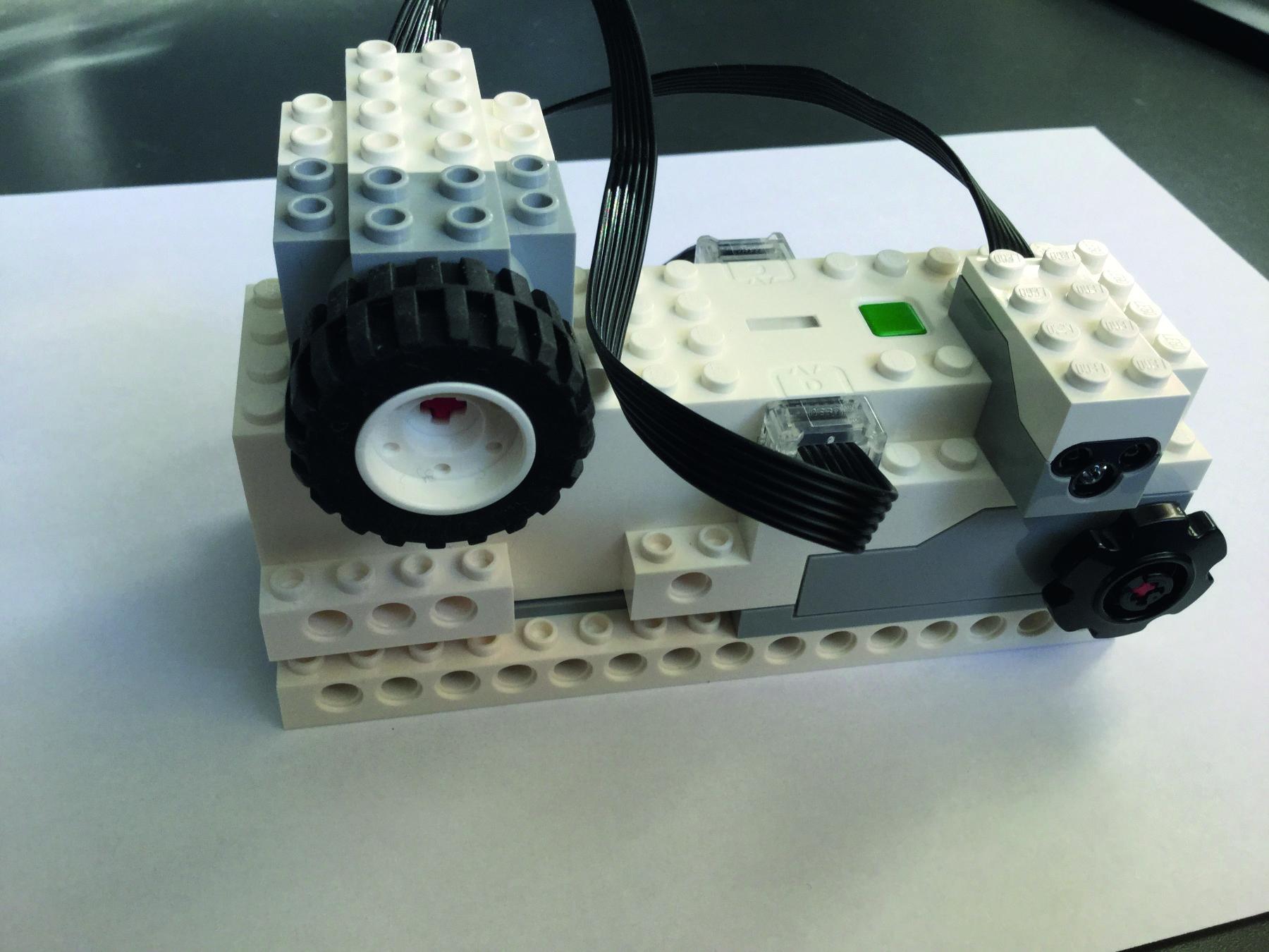 Lego Boost fig 3